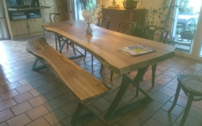 PLATEAU DE TABLE NOYER LIVE EDGE